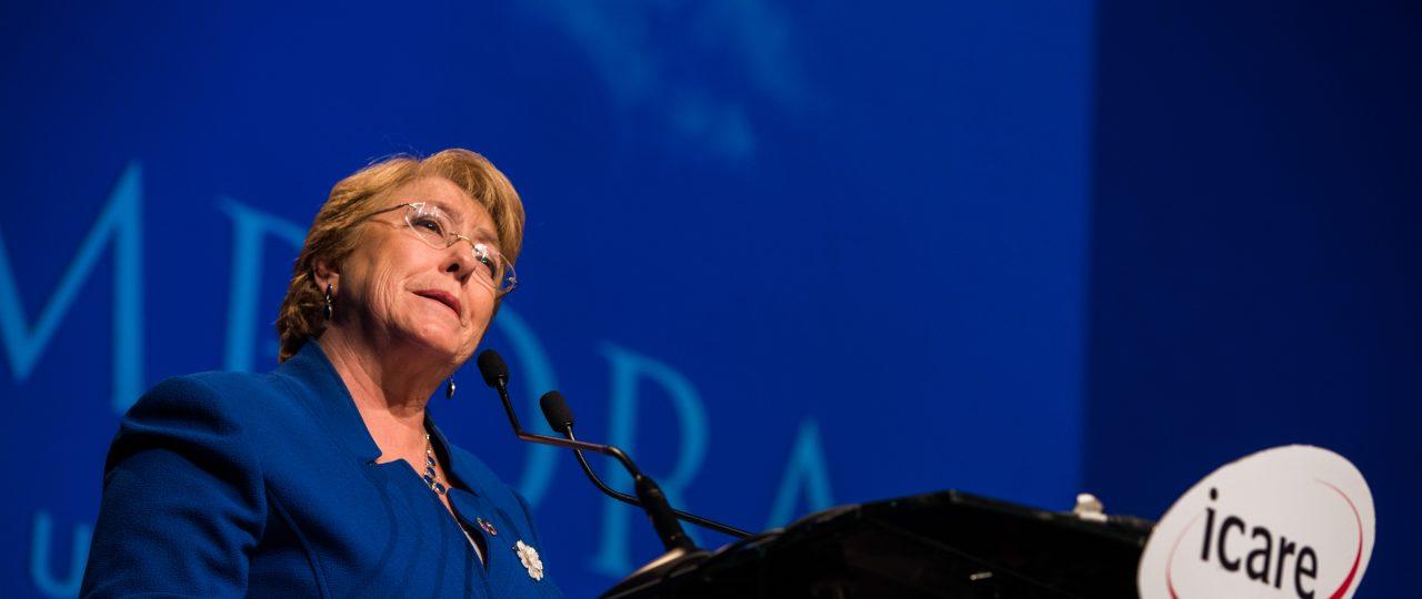 """Michelle Bachelet hace un balance de su gestión en ENADE 2017: """"Entregamos una economía en recuperación y con las finanzas claras"""""""