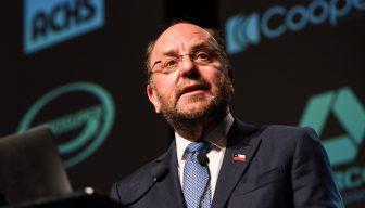 """Ministro Moreno en ICARE: """"Los que no pueden salir adelante por sí solos"""" serán la prioridad"""