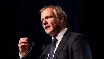 Senador Felipe Kast en ICARE: Pide a empresarios involucrarse en el debate público