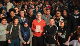 Este es el libro que Bill Gates está regalando a los graduados en EEUU
