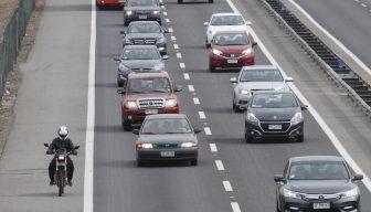 Sin regulación e infraestructura: Los desafíos de los autos autónomos en Chile