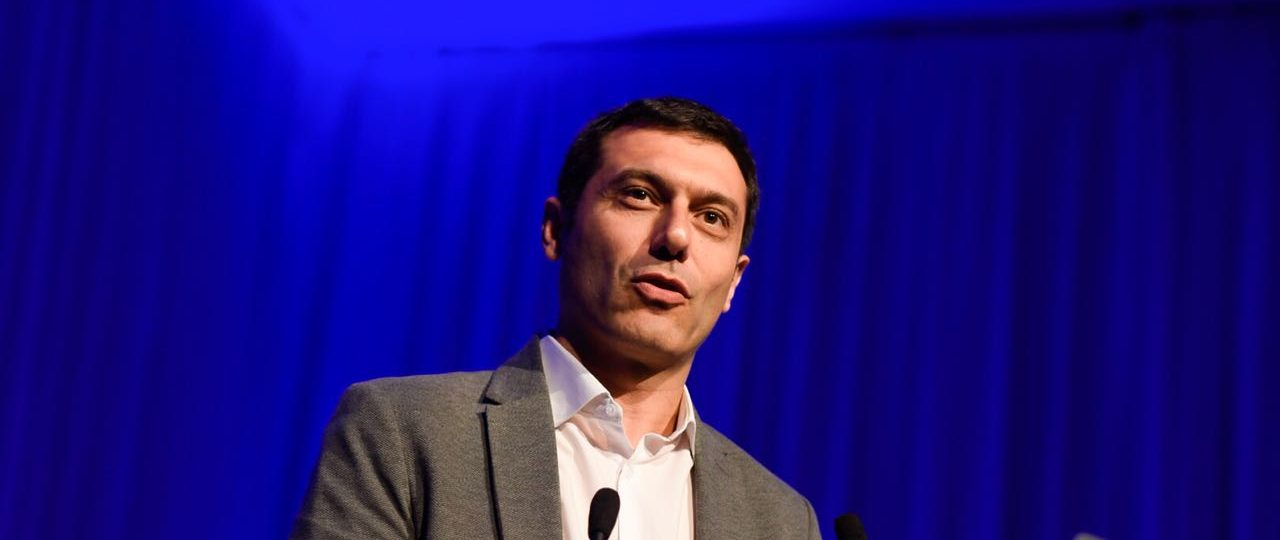 Innovación regulatoria: experto internacional llama a regular tecnología con tecnología