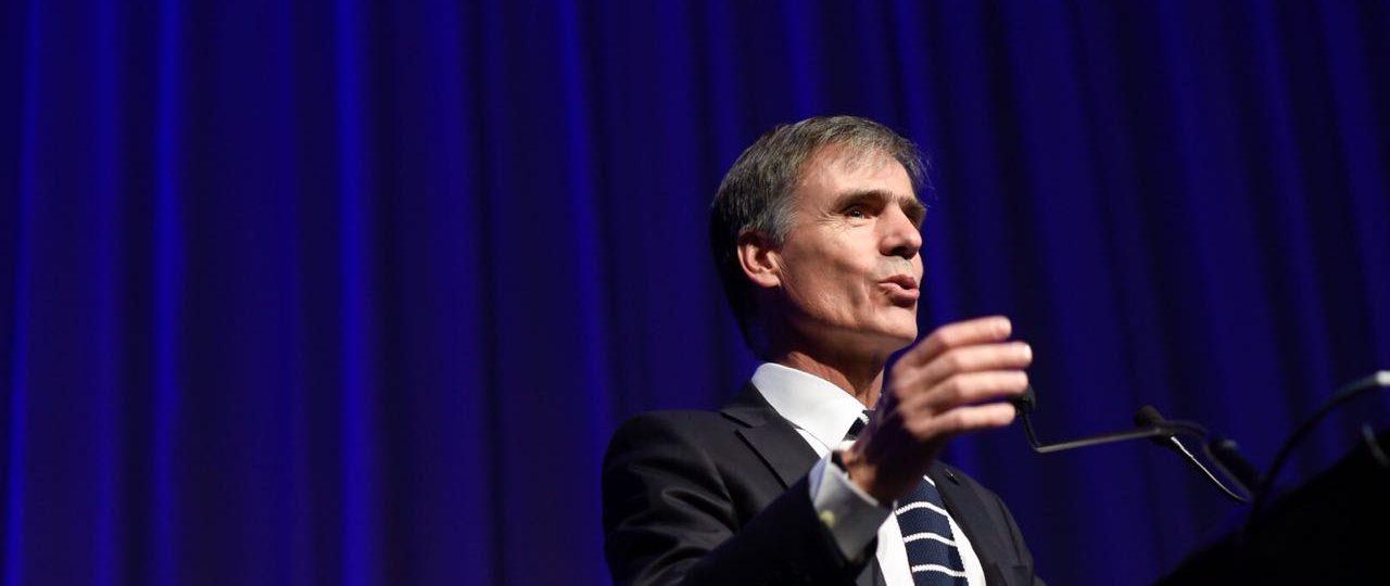 """Ministro de Economía en ICARE: """"No veamos las nuevas tecnologías como amenaza"""""""