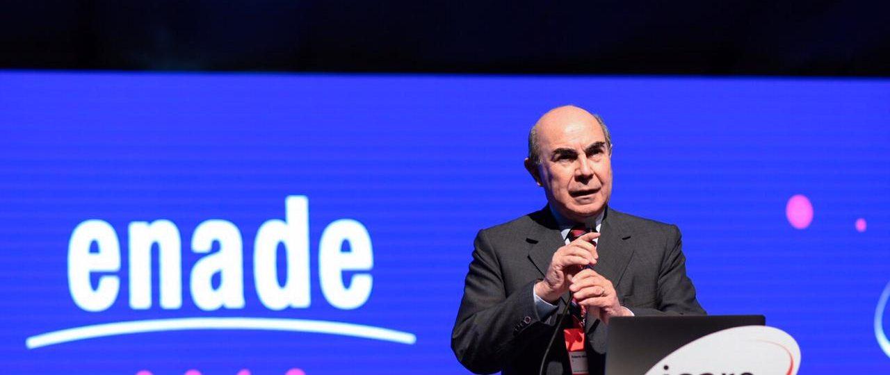 """Roberto Méndez en ENADE 2018: """"Debemos lograr concordia en los problemas de grupos marginados"""""""