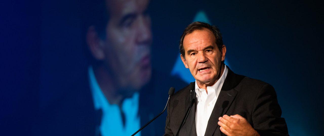 """Andrés Allamand: """"Hay que hacer un esfuerzo para que las personas implicadas entiendan las posiciones""""."""
