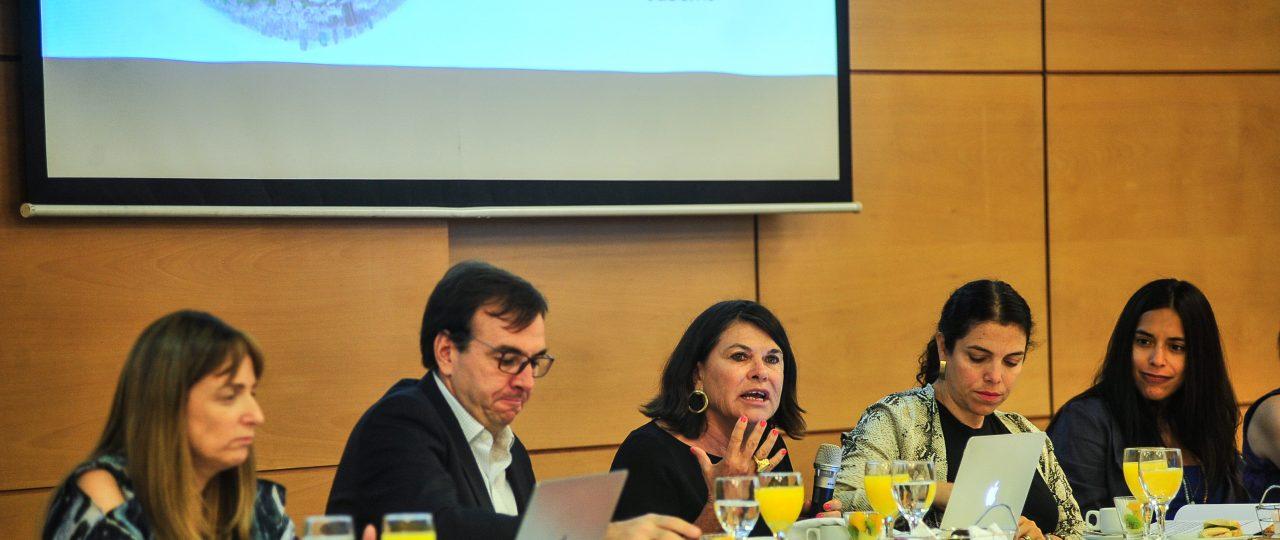 Directivos empresariales y miembros de la comunidad sindical reflexionan sobre las relaciones laborales en el Chile de hoy
