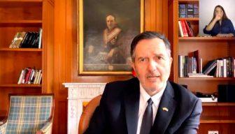 """Revive el streaming · """"Encuentro con Roberto Ampuero, Embajador de Chile en España"""""""