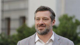"""Ministro Sebastián Sichel: """"La pobreza debe ser prioridad en la estrategia que viene; la precariedad hace que el modelo de crecimiento quede desprotegido ante cualquier tambaleo"""""""