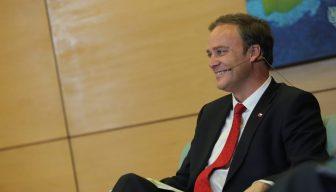 """Ministro Felipe Ward en ICARE: """"Las contingencias pasan y las leyes van quedando; es importante considerar los efectos permanentes de las medidas que se aprueben en el Parlamento"""""""