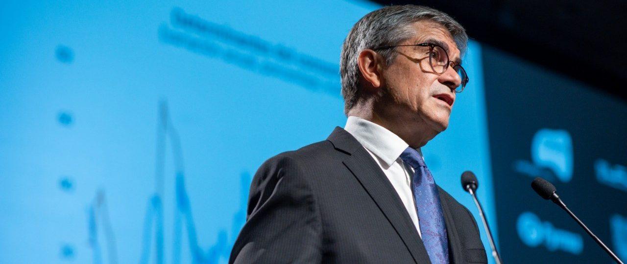 """Mario Marcel expuso en ICARE los principales detalles del IPoM Diciembre 2020: """"La economía chilena crecerá entre 5,5 y 6,5% en 2021"""""""