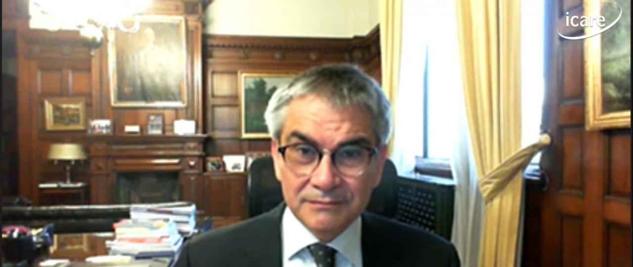 Mario Marcel expuso el IPoM de septiembre de 2021 en ICARE e hizo un llamado a mirar de cerca el comportamiento del consumo y su influencia en la inflación